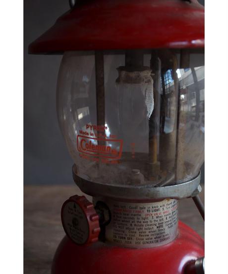 09-MT344434 Coleman Lantern 200A /RED