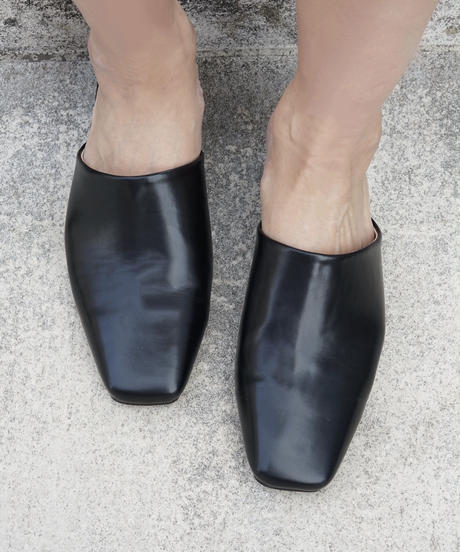 Low Heel Shoes