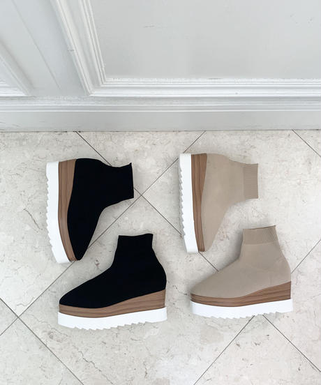 Short Knit Boots