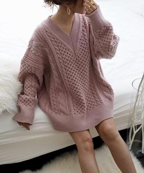 Wide V-Neck Knit