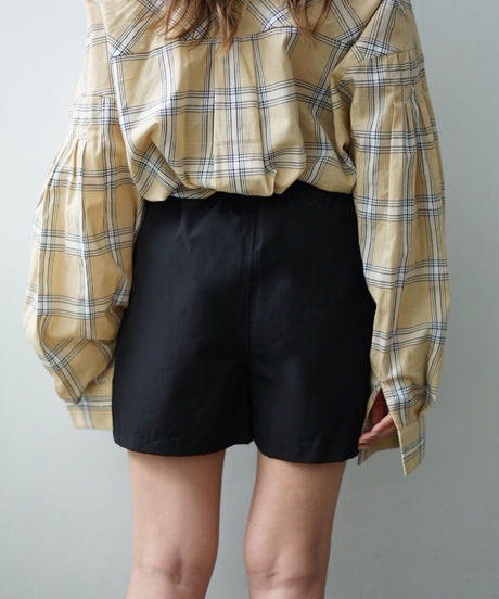 Side Pocket Short Pants
