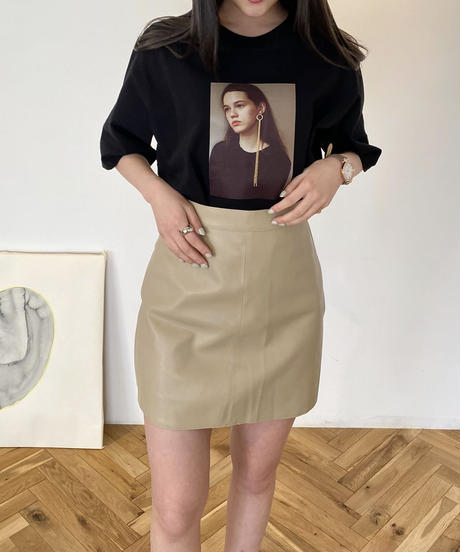ピアスTシャツ