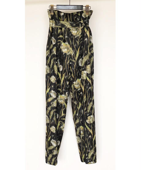 P-01/01 Bloom Tuck Pants