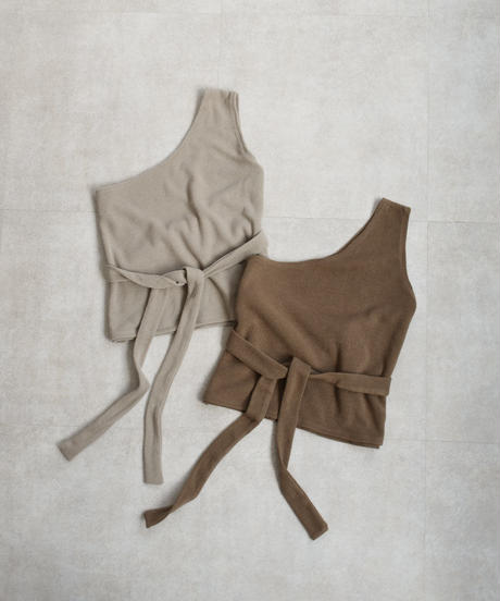 tops-04017 MADE IN JAPAN ONE SHOULDER PULLOVER
