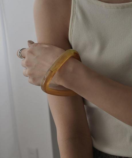 brace-02122 TRIANGLE MARBLE BANGLE