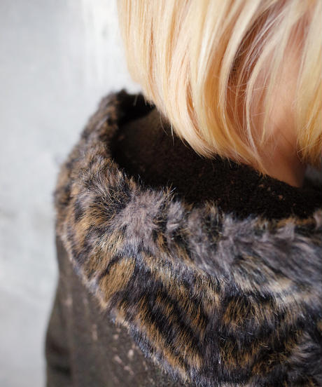 "Tiger Faux Fur Switch ""絣柄"" Rayon Coat"