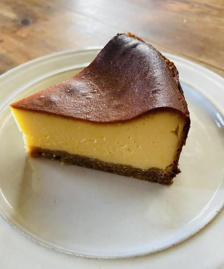チーズケーキ (ホール約15cm) ※クール便で発送