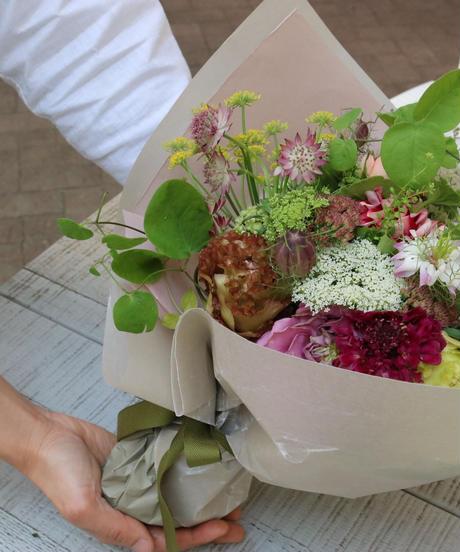 季節のbouquet M(花束)※4日前までに注文下さい