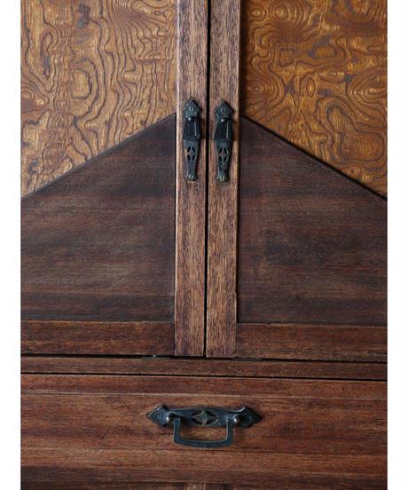 板扉棚 / 装飾