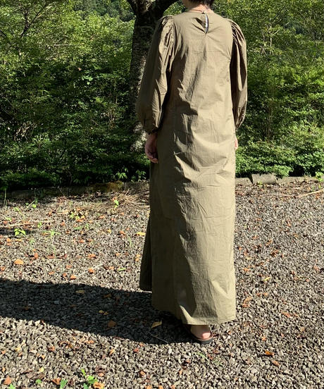 UT210OP007 ギャザースリーブワンピース【025/カーキ】