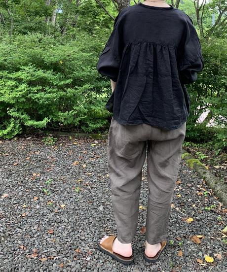 UT212BL032 バンドカラーブラウス【003/リネンクロ】