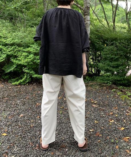 UT212BL031 クラシックギャザーブラウス【003/リネンクロ】