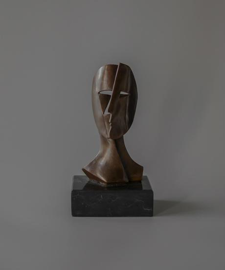 Pablo Picasso tribute face mask sculpture