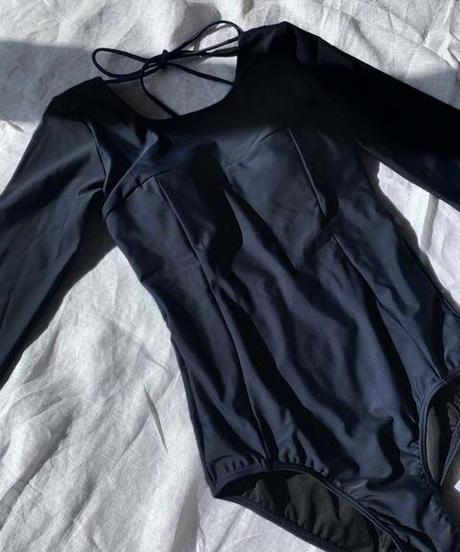 BACK OPEN SURF ONEPIECE/    color;black