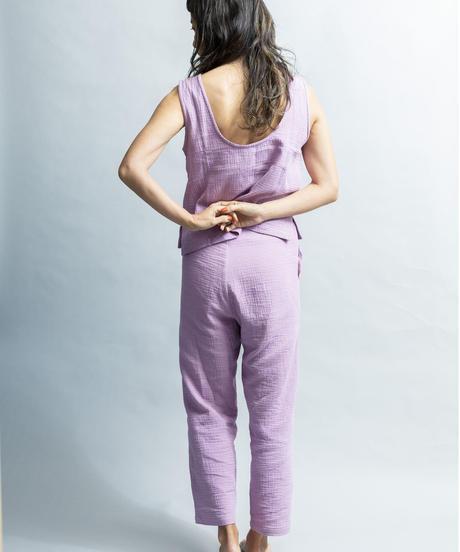 BACKOPEN SLEEVELESS BLOUSE/color; lilac