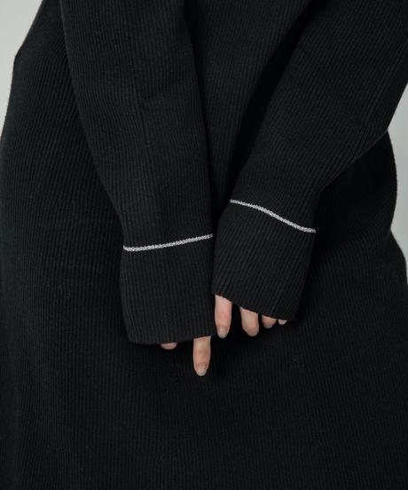Shiny line knit OP