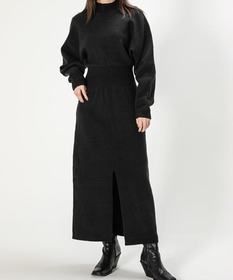 Stand NC Slit Knit OP / BLACK