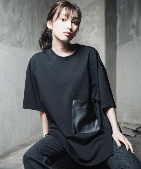 Faux leather Pocket TEE / BLACK