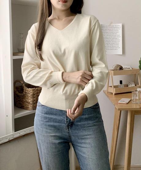 《予約販売》 cropped v neck knit