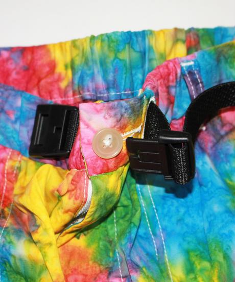 AiE : EZ Short - Abstract Batik