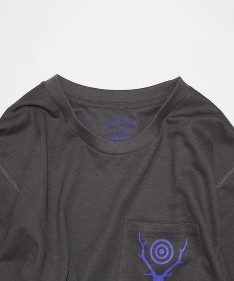 South2 West8:L/S ROUND POCKET TEE - CIRCLE HORN