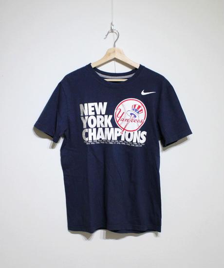 used:NIKE New York Yankees Tee