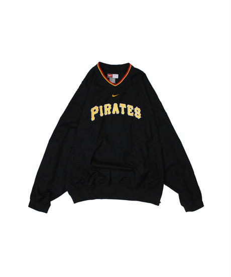 used:Pittsburgh Pirates  nylon pullover - XL size