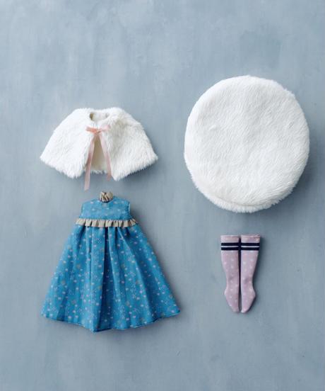 DIY フェイクファーケープ + Aラインワンピース(水色) + フェイクファーベレー帽 + ソックス キット