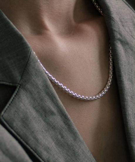 ROUNDEDE CORNERS NECKLACE 501
