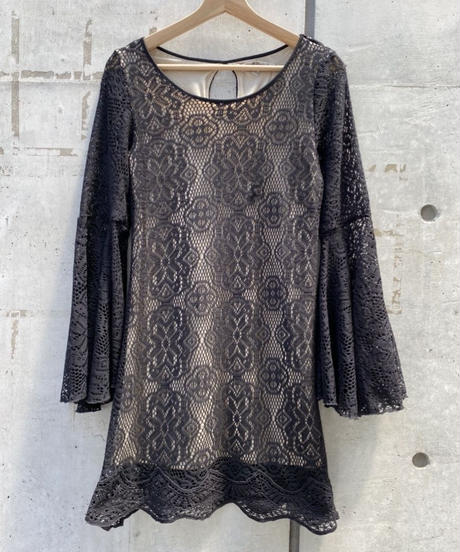 LACE FLARE SLEEVE TOPS  H051-7