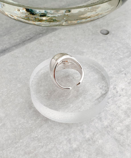 round curving ring J202