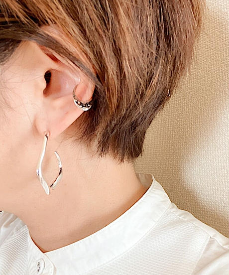 oval ear cuff M115