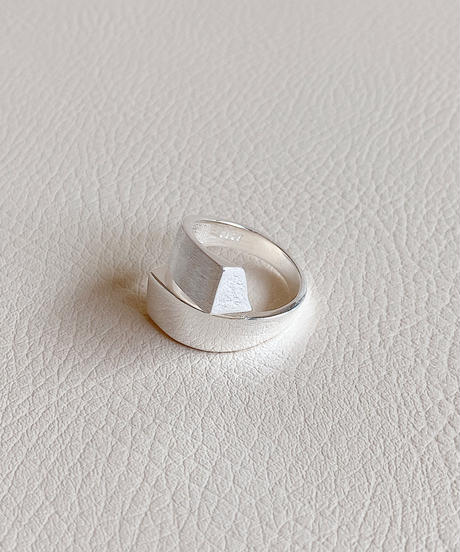 silver ring C103