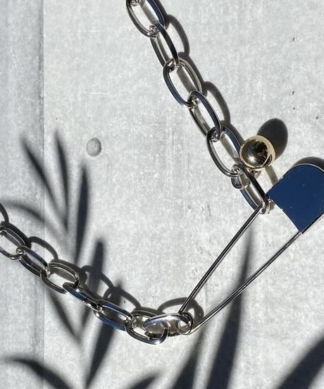 safety pin necklace H205