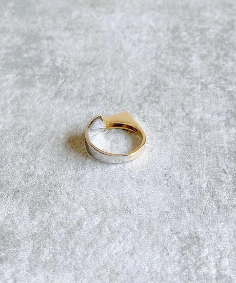 asymmetry ring J205
