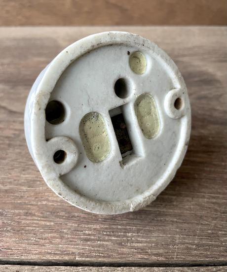 陶器製のコンセント(大)