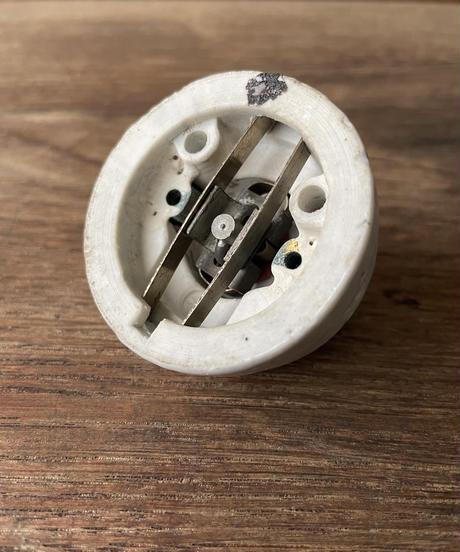 陶器製のロータリースイッチ[2]