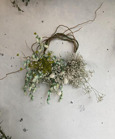 パステルカラーの枝みせリース