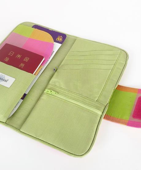 タイシルクのパスポートケース