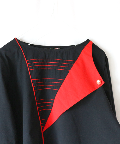 black × red design_tp