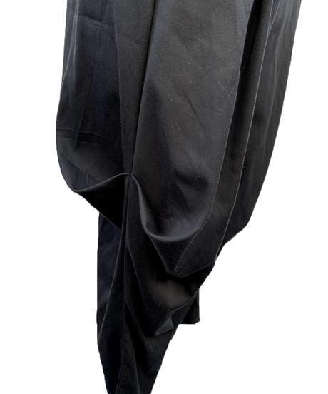 黒サイドつまみパンツ