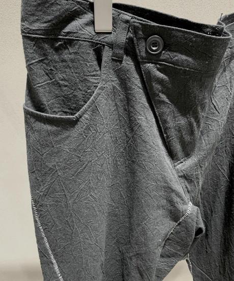 黒シワ加工縫合メンズパンツ