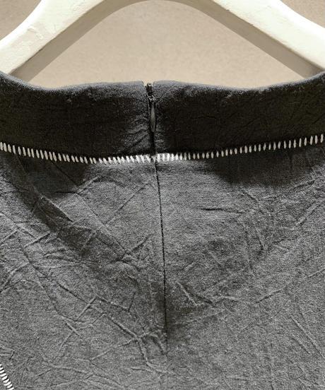 黒シワ加工細身柵縫合ワンピース