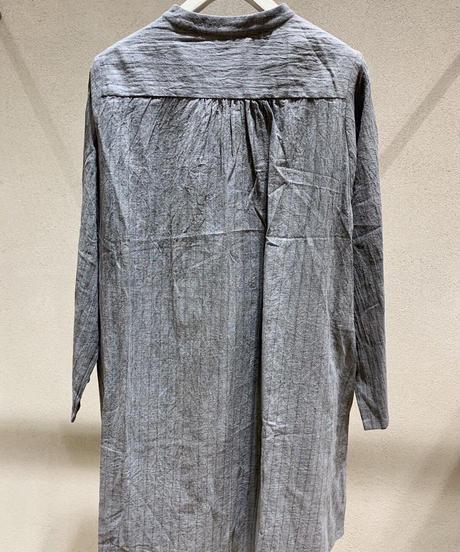 ストライプ綿麻スタンドカラーシャツ