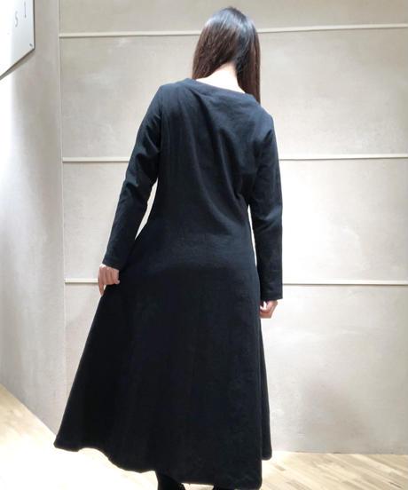 黒シワ加工コートワンピ
