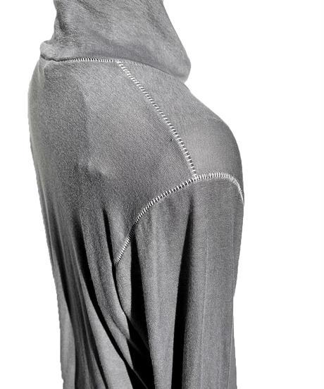 墨染縫合タートルセーター