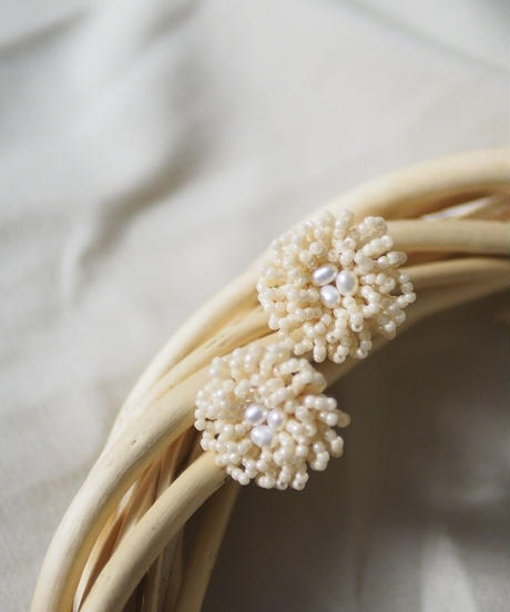 beads &perl flower
