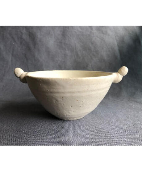 白いスープの器