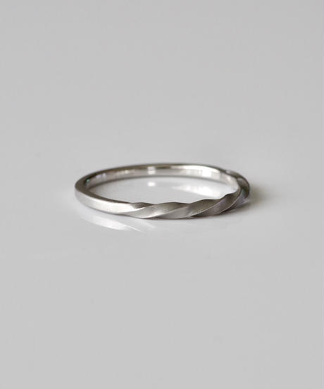 SPIRAL ring  <Pt900>