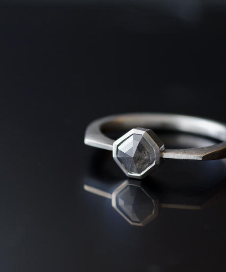 One of kind / Diamond Ring <Pt900> -R556CPT